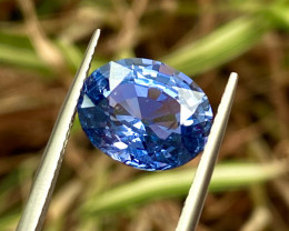4.82 ct No Heat Cornflower Sapphire 100% Natural  with fine Cutting   gem