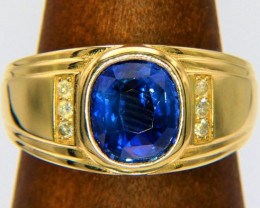 Sapphire goldring with 3.6ct certified VVS Ceylon Saphire and 6 diamonds!