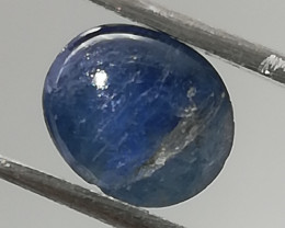 Sapphire, 1.1ct, very interesting inclusion gives it personality!