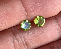 PERIDOT PAIR 6mm Natural Untreated Gemstone VA649