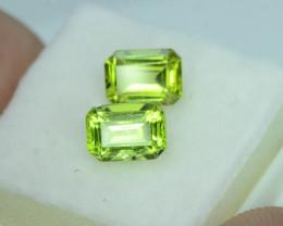 Attractive 2.60 ct 2 Pcs Jewelry Size Peridot