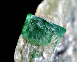 28 CT Top Classic Emerald Crystal@Pakistan