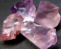 PINK AMETHYST [ROSE DE FRANCE] ROUGH 29.60 CTS  [F1131 ]