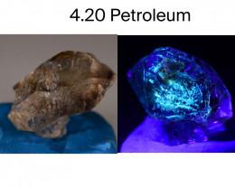 Rare 4.20 ct Natural Ancient Fluorescent Quartz With Ancient Petrolium