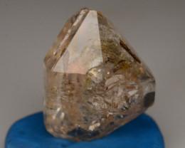 Rare 5.30 ct Natural Ancient Fluorescent Quartz With Ancient Petrolium