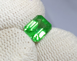 NO TREAT 1.64 CTS NATURAL STUNNING VIVID GREEN TSAVORITE GARNET KENYA