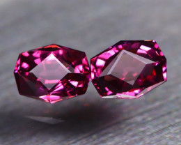Mahenge Garnet 1.90Ct 2Pcs VVS Master Cut Natural Mahenge Garnet AT0162