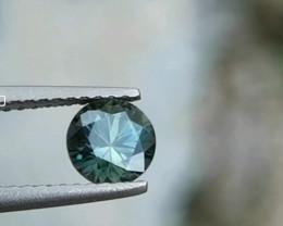 Beautiful 0.95ct round brilliant cut sapphire