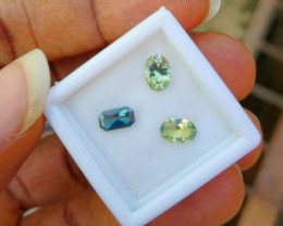 A parcel of 4 pieces of untreated and unheated sapphires