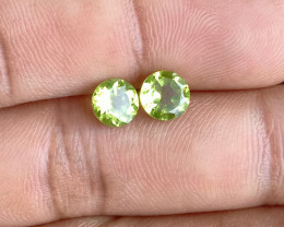 PERIDOT PAIR 6mm Natural Untreated Gemstone VA1255