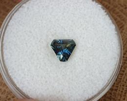 0,80ct dark blue to light blue colour shift Sapphire - Master cut!