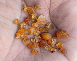 20 CT ORANGE GARNET GEMSTONE ROUGH PARCEL Natural Gems VA1331