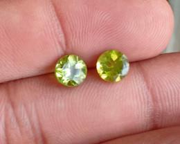 PERIDOT PAIR 6mm Natural Untreated Gemstone VA1356