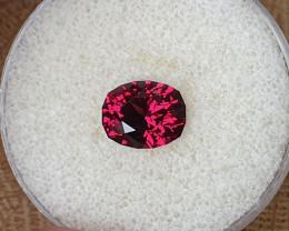 3,60ct Pinkish red Rhodolite Garnet - Private auction, no bids please.