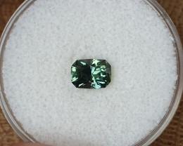 0,98ct Light green to grass green colour change Sapphire - Master cut!