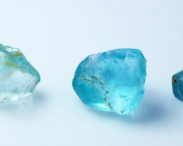 24.90 CTs Natural - Beatuiful Blue Topaz Rough Lot