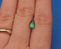 0,83ct Colombian Emeralds Ref 28/75 Colombian Emerald emerald Natural col