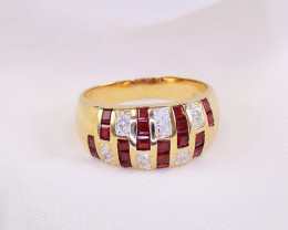 Natural Ruby & Diamond 18kt Gold Ring