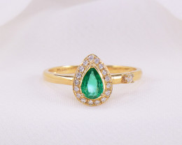 Natural Emerald & Diamond 18kt Gold Ring