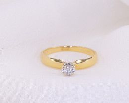 Illusion-set Diamond Solitaire 18kt Yellow Gold Ring