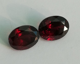 Rhodolite pair, 5.44ctof very very good quality, almost same size!!