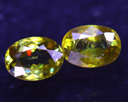 Sphene 3.00Ct 2Pcs Natural Rainbow Flash Green Sphene ES0311/B41
