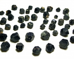 Amazing Natural Black Color Garnet Crystals Parcel good for jewelry 250Cts-