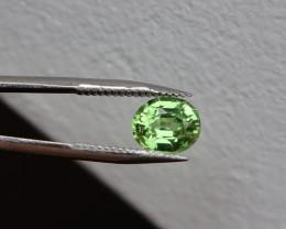Tsavorite - Cert !!! Green Special Apple - 0.73ct -