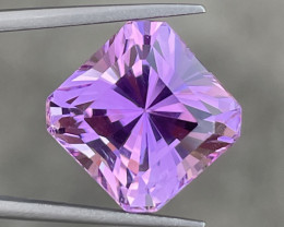 14.13 CT Kunzite Gemstones Top luster With fine Cutting