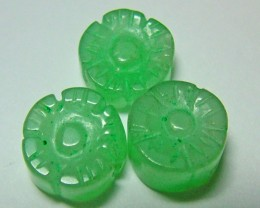 JADE  CARVED FLOWERS BEADS DRILLED 10.5 CTS NP -139(NP-GR)