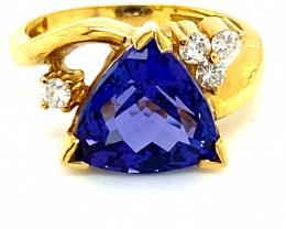 Tanzanite 6.20ct Natural Diamonds Solid 21K Yellow Gold Multistone Ring