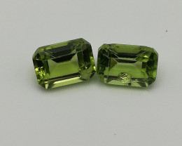Peridot pair, 2.5ct, great colour good shate even though the stones are not