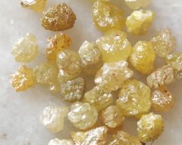 Natural yellow diamond rough 25ctwlot-32pcs