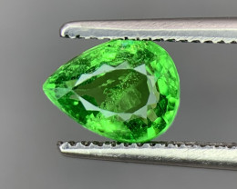 1.03 Carats vivid Green Natural Tsavorite Gemstone