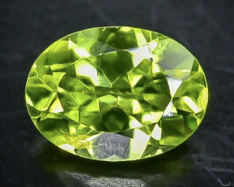1.36 Crt Natural Peridot Faceted Gemstone.( AB 70)