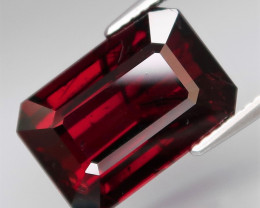 13.52  ct . Natural Earth Mined Red Rhodolite Garnet