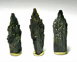 Amazing Natural color Damage free tree Shape lovely Epidote 3 crystals 41Ct