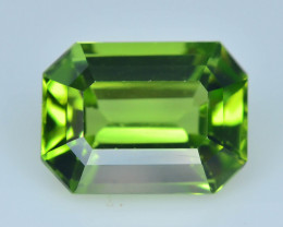 Exquisit Color 2.40 ct Peridot For Ring