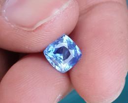 CERTIFIED 1.76 CTS NATURAL BEAUTIFUL BLUE SAPPHIRE CEYLON SRI LANKA