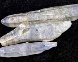 10 CTS  SAPPHIRE ROUGH  PARCEL RG-445