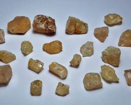 Amazing Natural color Rough Rare Katlang Topaz 100Cts-G-1