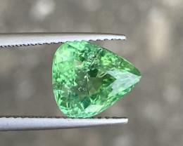 Natural paraiba 3.22 Cts Green Color Gemstone