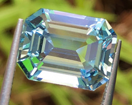 5.83 ct  Blue Aquamarine With Excellent Luster and Fine Cutting  gemsstone