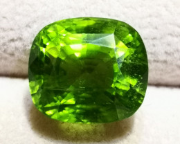 Peridot, 16.80 Cts Beautiful & Brilliant stone