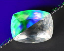 1.780 CT HYALITE OPAL NATURAL MEXICAN WHITE TO GREEN ULTRA UV COLOR CHANGE
