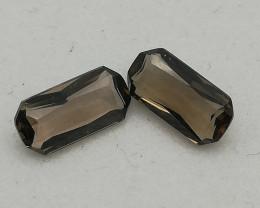 Smokey quartz pair, 2.59ct, loup clean stones in octagon shape!