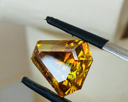 9.39CT- SPHALERITE FROM SPAIN -THE COLOURS OF THE RAINBOW— RARE-Master cut