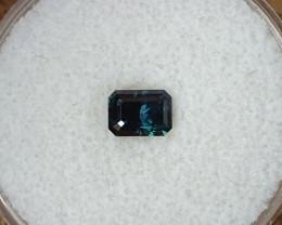0,82ct Dark blue/green sapphire - Master cut!