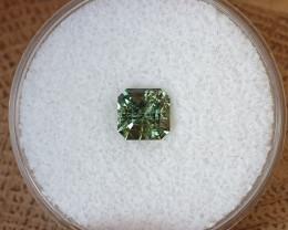 1,08ct Colour shift green Sapphire - Master cut!