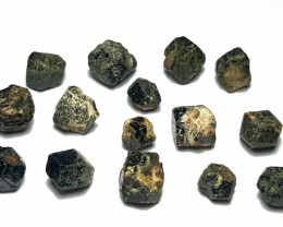 Amazing Natural Black Color Garnet Crystals Parcel good for jewelry 100cts